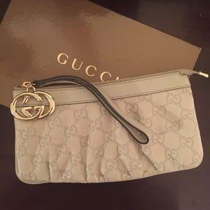 Gucci Wristlet in Cream