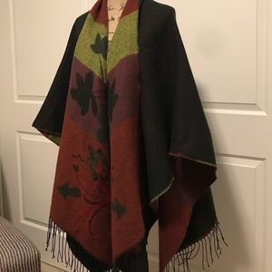 Westbound Sweaters - WESTBOUND Fringed Open Poncho