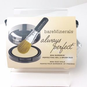 bareMinerals Other - BareMinerals Touch Up Mineral Veil & Brush in Bag