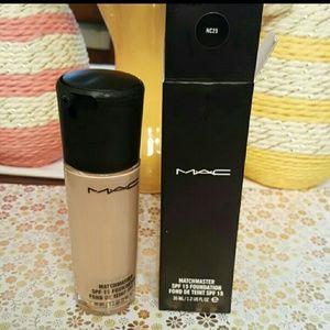 MAC Cosmetics Other - Mac matchmaster foundation