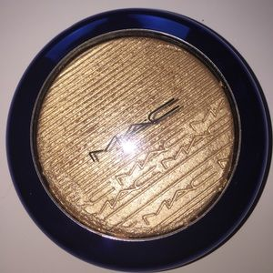 MAC Cosmetics Other - MAC Cosmetics LE - OH, Darling Highlighter