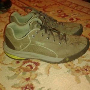 Teva Other - Men's Teva Leather Hiking Trail Shoes SZ 10