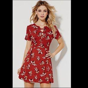 Dresses & Skirts - Floral summer Lace up dress