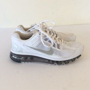 White Nike Airmax Sneakers Size 8