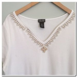 Rafaella Tops - 🎀SALE🎀 Beautiful Top with Embroidered Detail