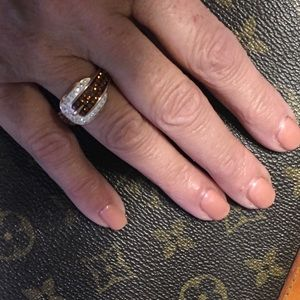 Jewelry - Exquisite Genuine crystal buckle ring