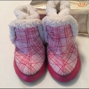 Robeez Other - GUC! Robert girls snow boots. 6-12m.