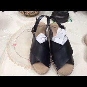 Gap Factory Shoes - Gaps Factory Platform Sandals faux leather