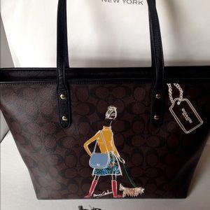 Coach Handbags - PRICE DROP! ❤Coach Bonnie Cashin Sig Cty Tote NWT
