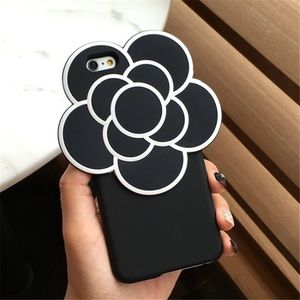 CHANEL Accessories - 🖤 Chanel's Iconic Flower Brand New iPhone Case