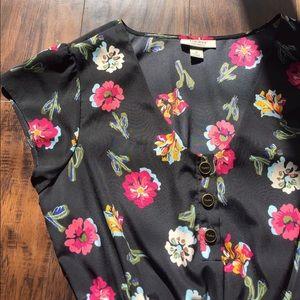 Tucker Dresses & Skirts - Floral Dress