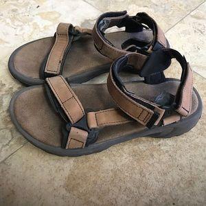 Teva Shoes - Teva brown suede leather waterproof shock pad 8