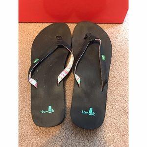 Sanuk Shoes - Sanuk Flip Flops
