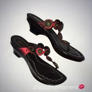 Donald J. Pliner Shoes - 💄🆕 Donald J Pliner Cossette Thong Sandals