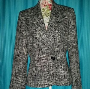 Emma James Jackets & Blazers - Emma James size 14 black and white blazer