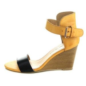 C. Label Shoes - C. Label two tone wedge