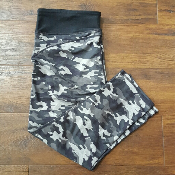 Fabletics Pants - Fabletics black gray camo capris