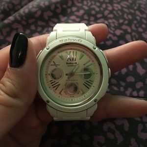 Casio Accessories - White and pink baby G