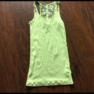 American Eagle Outfitters Tops - American Eagle lime tank top with lace. Size s
