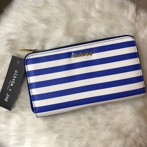 Olivia + Joy Handbags - 💙 BEAUTIFUL Olivia + Joy Blue and White Wallet💙