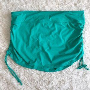 Athleta Dresses & Skirts - Athleta side scrunch summer skirt M