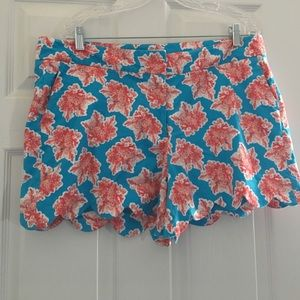 Pants - Crown&ivy coral scalloped shorts size 16