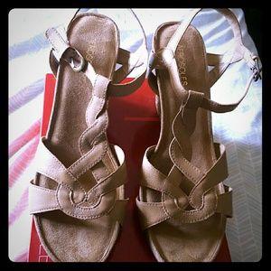 AEROSOLES Shoes - Shoes- sandals  12M