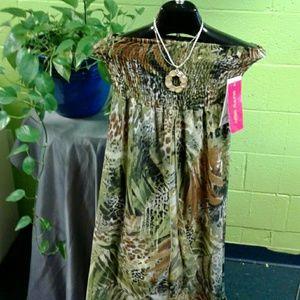 Sunny Leigh Dresses & Skirts - NWT Sunny Leigh convertible dress/skirt Large