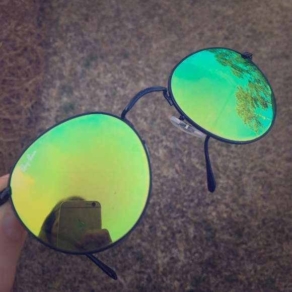 62c7911d60e Authentic Ray Ban Round Green Gradient Flash Lens.  M 58d44467b4188e069300a32f