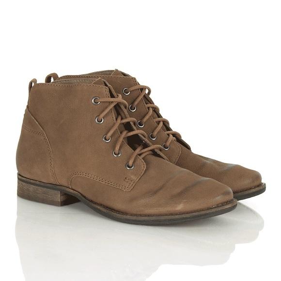8955d96b66f38 Sam Edelman Mare Brown Lace Up Ankle Booties. M 58d444ff3c6f9fd526007d6d