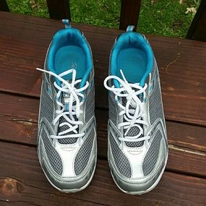 TrimStep Shoes - Size 8