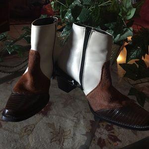 Tony Lamas  91/2M leather calf hair great