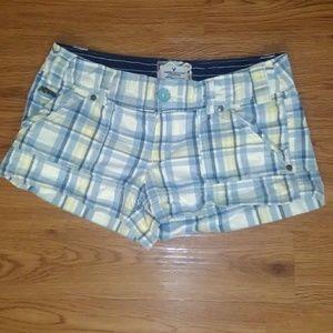 American Eagle Outfitters Pants - American eagle plaid shorts