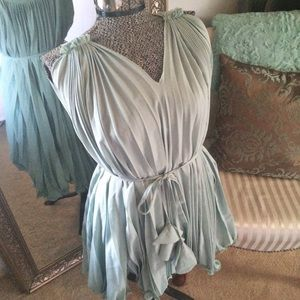 chicwish Dresses & Skirts - Green pleated dress with belt size M