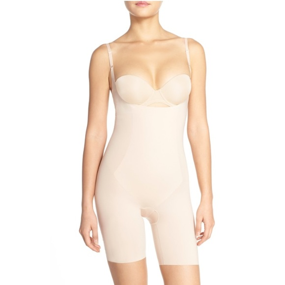 f7d7ed0ff3 New SPANX Thinstincts Mid Thigh Bodysuit Shaper. M 58d44fedeaf030a40d009e09