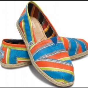 TOMS Shoes - TOMS Shoes Sneakers Slip Ons Stripe New Stripe 6