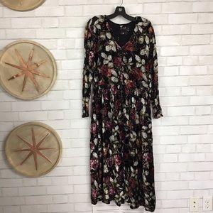 Nostalgia Dresses & Skirts - Nostalgia Long Sleeve Velvet Floral Dress