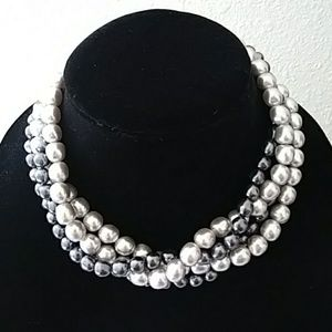 Jewelry - Vintage style Faux pearl necklace *Final Price*