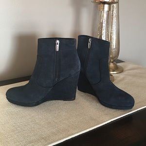 NWT Vince Camuto Blue Suede Wedge Booties