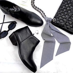 Seychelles Shoes - Classic Black Leather Ankle Boots