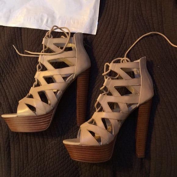 82994403fe1 Steve Madden Dreamgirl leather sandals NWT