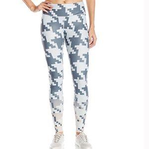 ALO Yoga Pants - ALO airbrush 🖤 pixel ombré