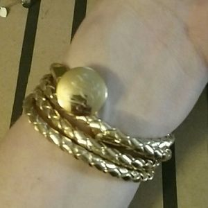 Jewelry - Gold wrap bracelet
