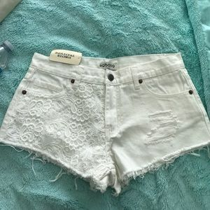 American Eagle Outfitters Pants - NWT white lace jean shorts