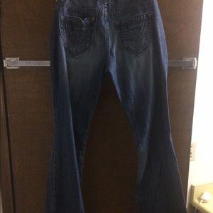 Vigoss Denim - Vigoss jean with a slight boot cut