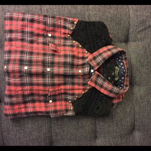 Shyanne Tops - Flannel and lace top with cute snap buttons