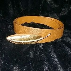 Accessories - Feather belt