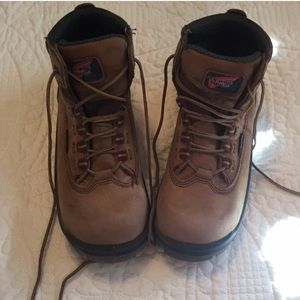Red Wing Shoes Shoes - Red Wing 😍 Steel toe waterproof work boots