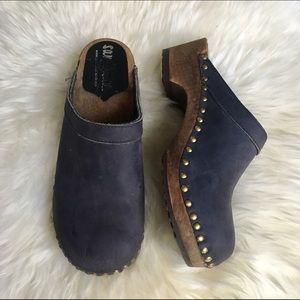 Sandgrens Shoes - Classic Black Leather Sandgrens Clogs
