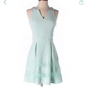 Adorable 'Tiffany's blue' Express dress!